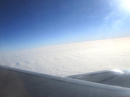 2011.12.15.上海浦東~桂林空港機内 011.jpg