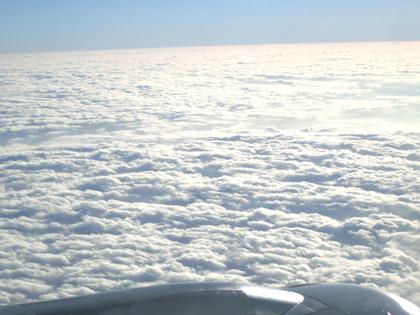 2011.12.15.上海浦東~桂林空港機内 018.jpg