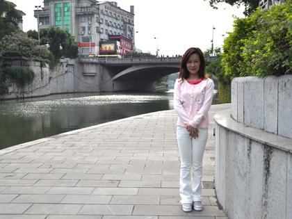 4.月的文昌橋を背に7.JPG