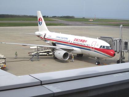 MU296便上海へ2.JPG