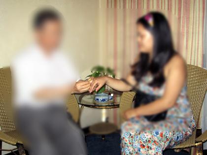 13.9.婚約指輪贈呈017.JPG