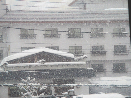 2015.2.9.豪雪的湯沢.JPG