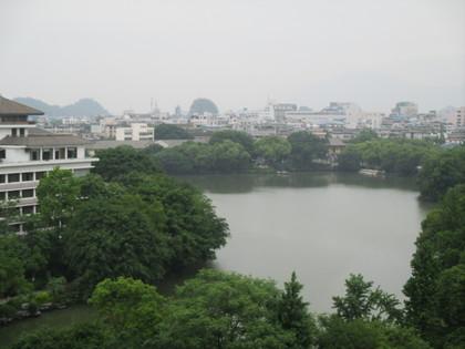 2015.5.4.桂林賓館より榕湖2.JPG