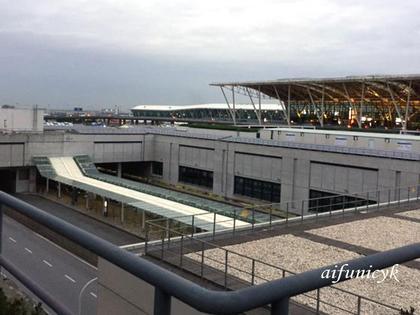 2016.12.10.朝の上海浦東空港.jpg